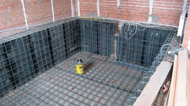 Строим бассейн в подвале
