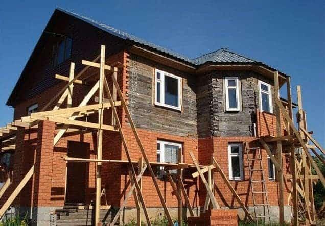 Обкладываем деревянный дом кирпичем