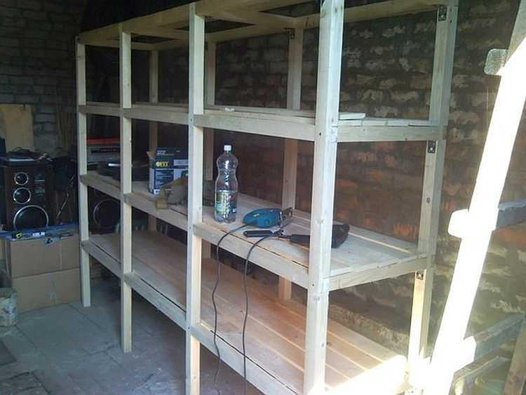 Как подготовить стелажи для посадки лука