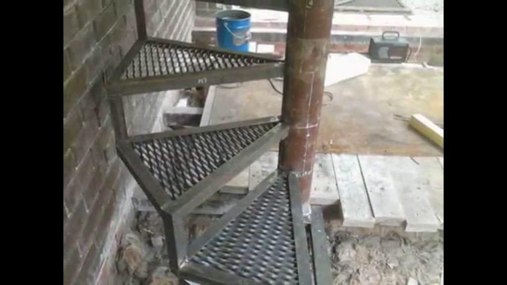 полувинтажная лестница
