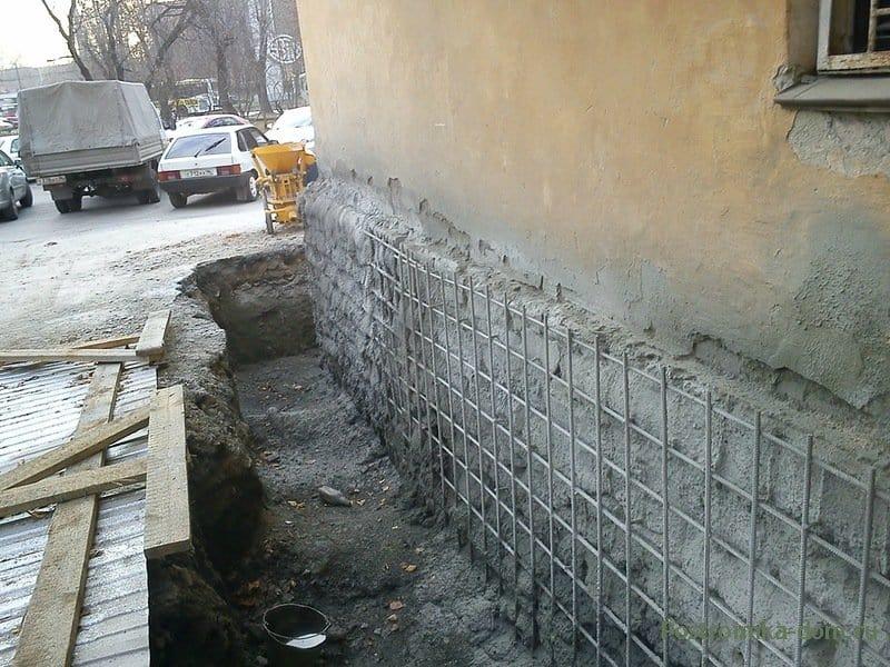 Надежный фундамент в доме с подвалом