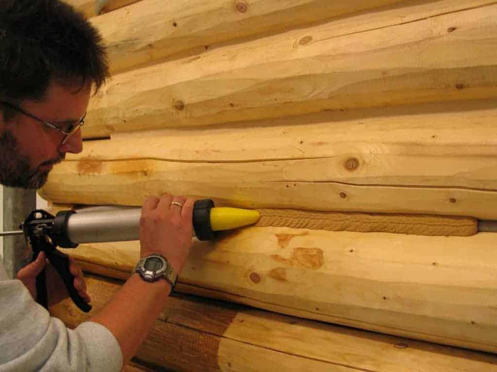 Как защитить дерево от влаги